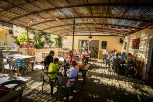 Terrasse restaurant au camping le Sainte Marie